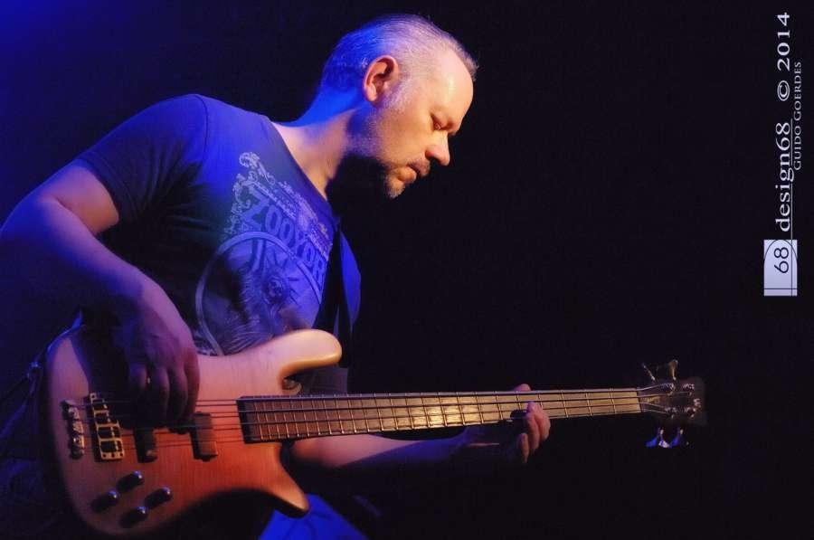 Frank Fischer – bass